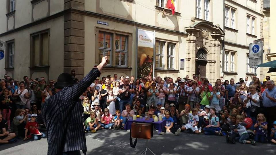 School of Busking Street Theatre & Busking Course